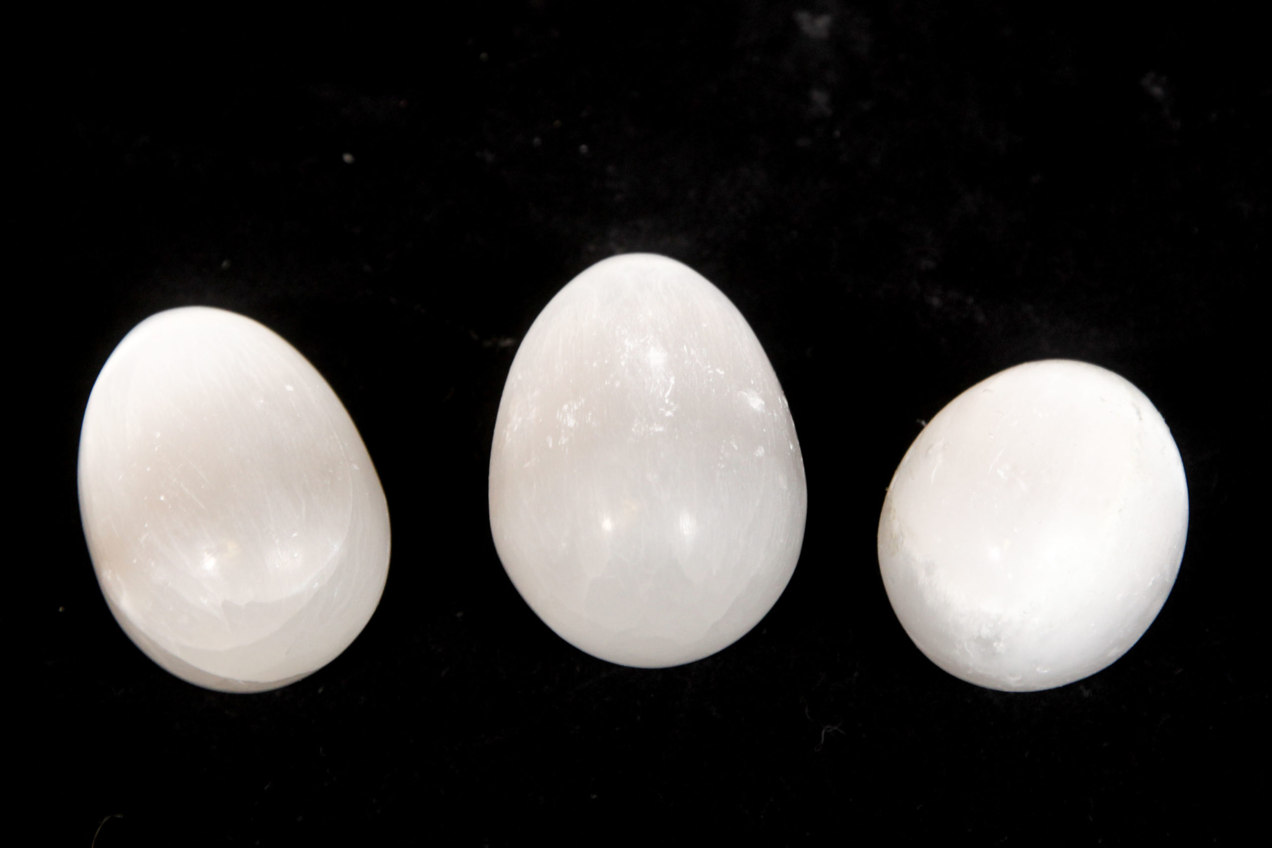 Selenite Egg 2.5 inch