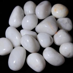 1lb of Medium Tumbled White Agate (26mm-32mm)