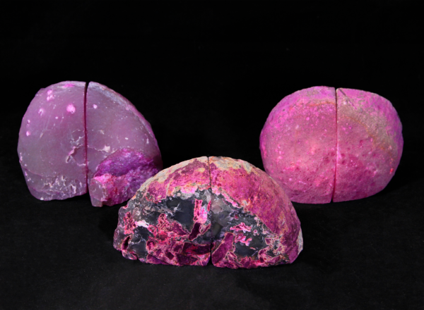 Three pairs of matching small pink Agate bookends